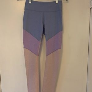 NWOT Outdoor Voices Springs Leggings (size xs)